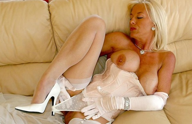 amazing-astrid-all-white-sexy-lingerie